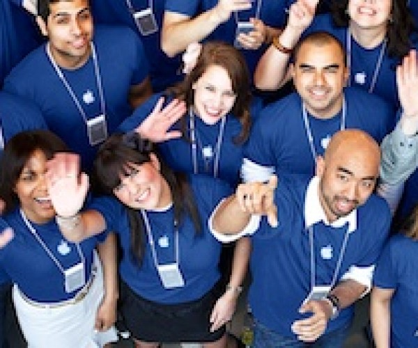 کارمندان Apple Store به دنبال شغل های تازه!