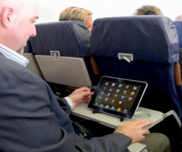 US Airways و آلاسکا ایرلاین اجازه استفاده از دستگاه را درتمام زمان پروسه پرواز صادر کردند