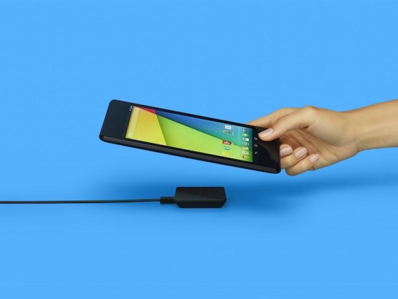 گوگل، شارژر بیسیم خود را برای دستگاههای نکسوس عرضه کرد