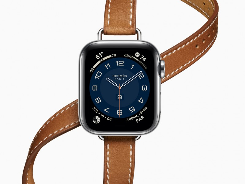 Apple_watch-series-6-hermes-stainless-steel-silver-double-tour_09152020