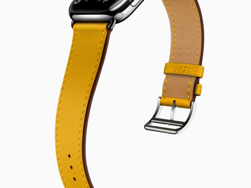Apple_watch-series-6-hermes-stainless-steel-silver-single-tour-ambre_09152020