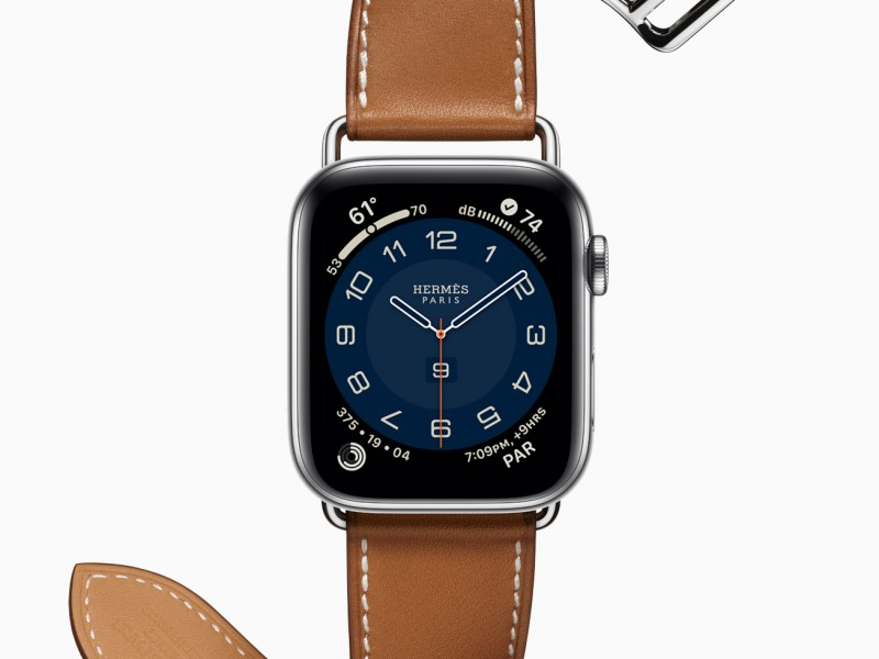 Apple_watch-series-6-hermes-stainless-steel-silver-single-tour_09152020
