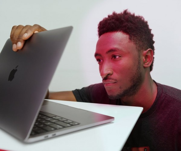 انتشار بررسیهای ویدیویی MacBook Pro 13-inch با پردازنده M1