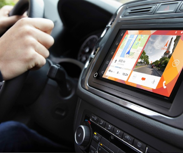 شرکت Parrot از سیستم جدید دارای CarPlay خود رونمایی کرد